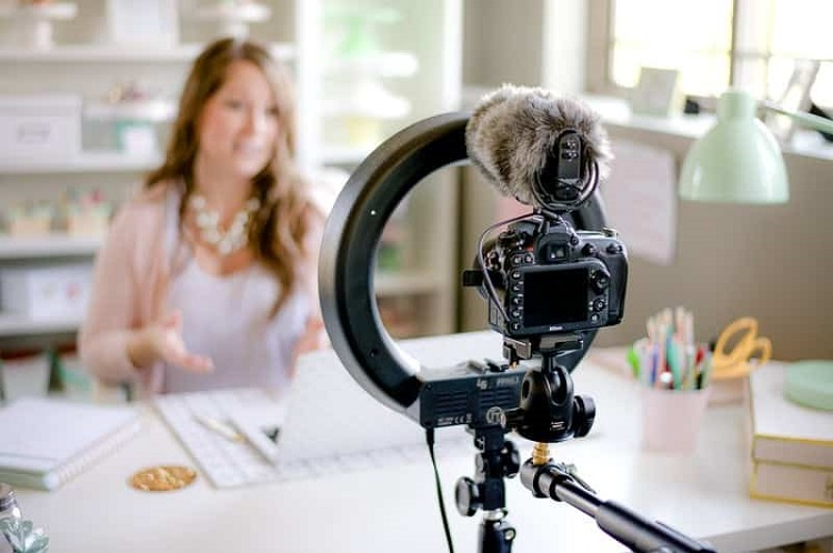 All you need to know about how to create video blogs!